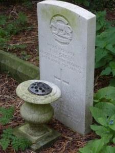 CWGC grave of John Henry Green in Catthorpe Churchyard